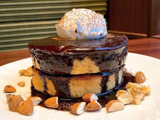ケーキ マン ホット ファミマ