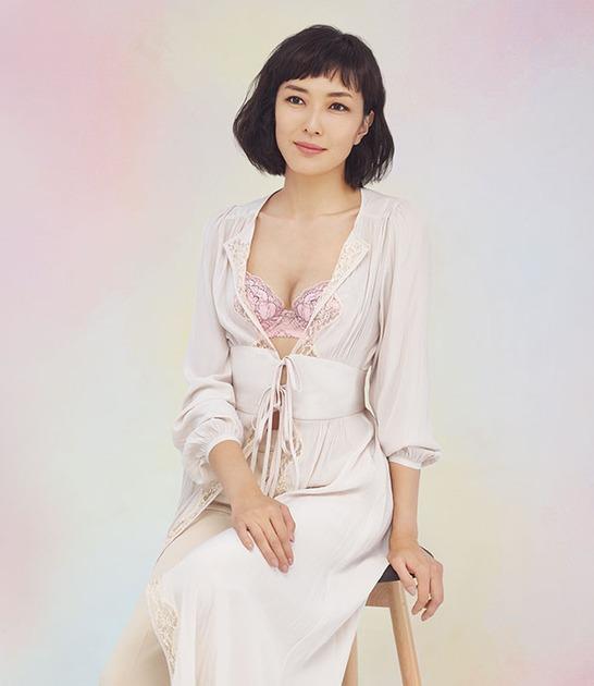 女優・キャスターの板谷由夏さん...